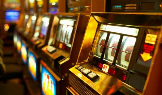 Teenager Gambling Problems: Why Parents Shouldn't Make Bets Before The Kids